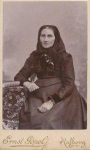 Marie Stolk gamle pige i Restrop kro 1